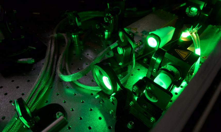 Regenerative amplifier of a 2 TW Ti:Sapphire laser system